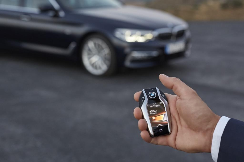 新型5シリーズ、BMWディスプレイ・キーの画像
