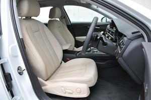 Audi アウディA4アバント2.0 TFSIクワトロのオプションの電動レザーシートの写真