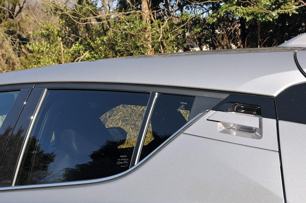 トヨタ C-HR、ドアハンドルの画像