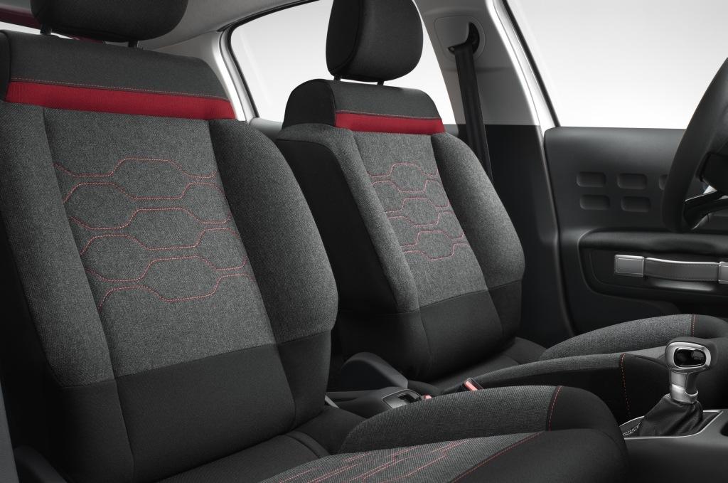 新型シトロエン C3のフロントシート画像