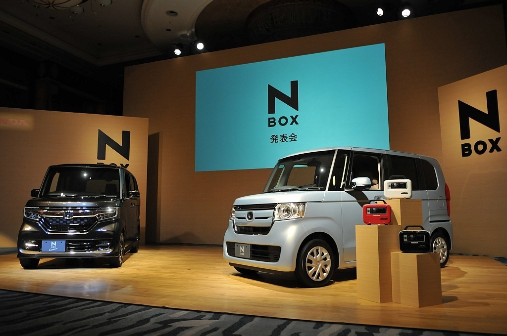 ホンダ N-BOXの画像