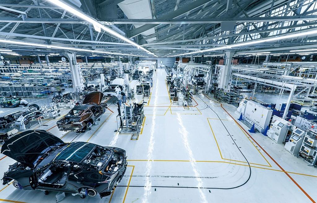 トヨタ自動車 元町工場 LC専用ファイナルアッセンブリラインの画像
