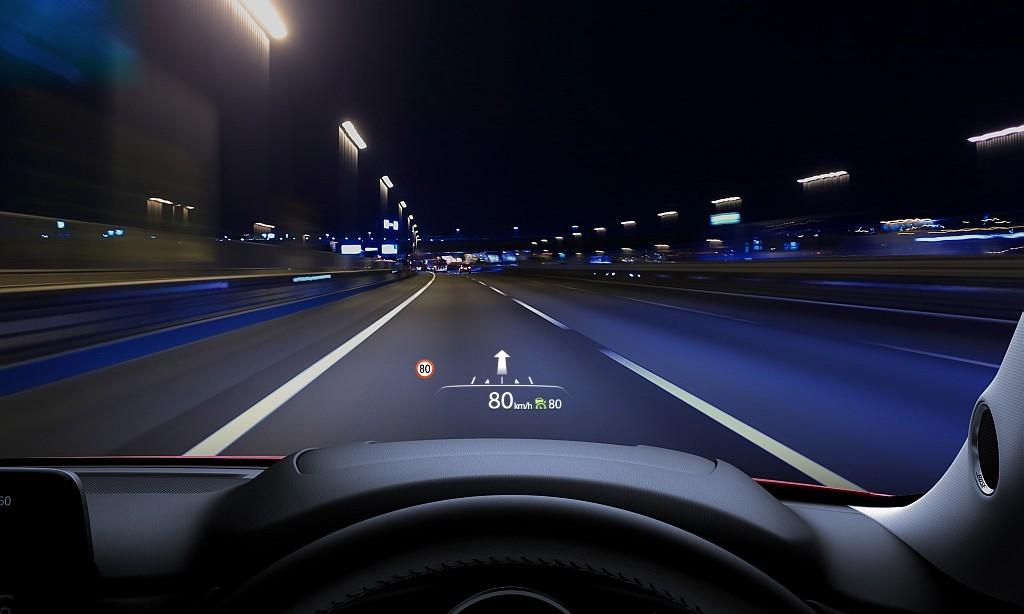 2代目マツダCX-5のアクティブ・ドライビング・ディスプレイ画像