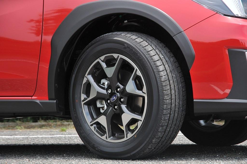スバル XVの17インチタイヤ&アルミホイール画像