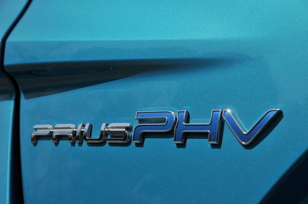 トヨタ プリウスPHVの画像