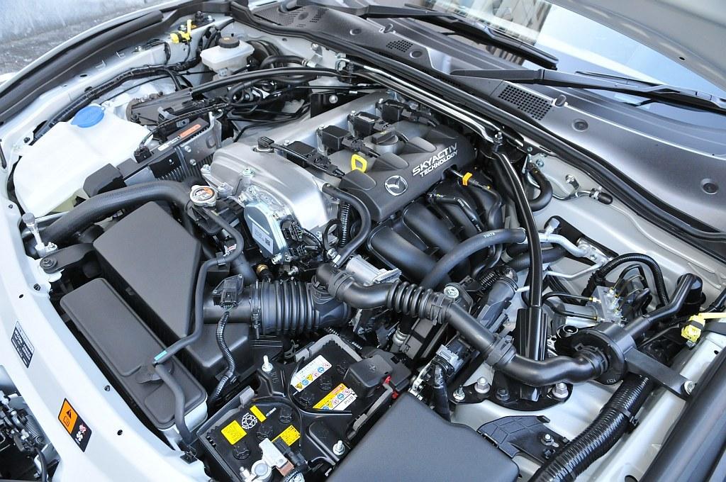 マツダ ロードスター RFのエンジン
