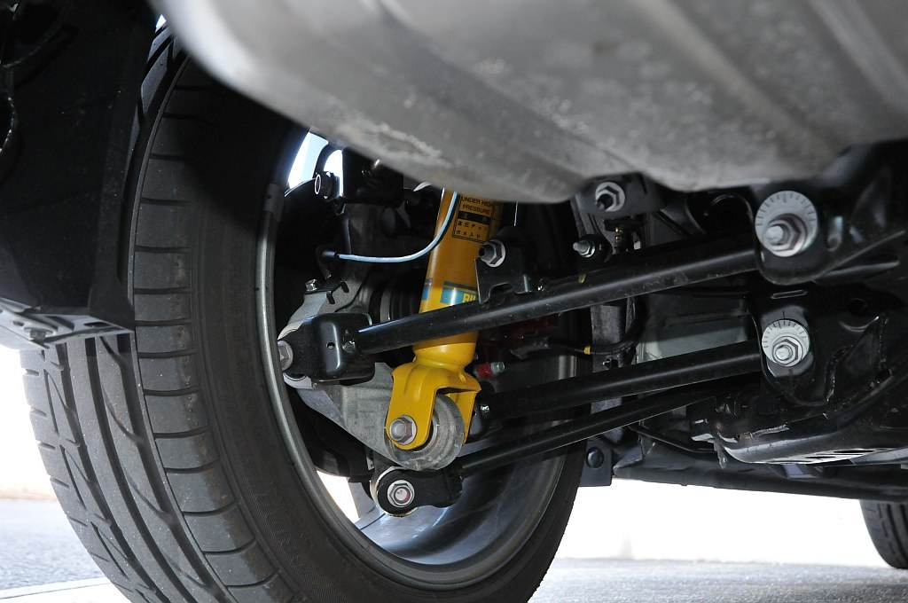マツダ ロードスター RF RSのビルシュタイン製サスペンション
