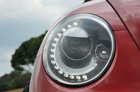 フォルクスワーゲン ザ・ビートルデザインレザーパッケージのヘッドライトの接写写真