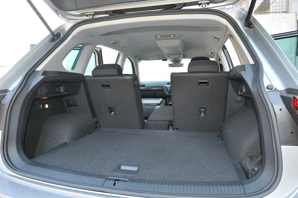 VW ティグアン、荷室の画像