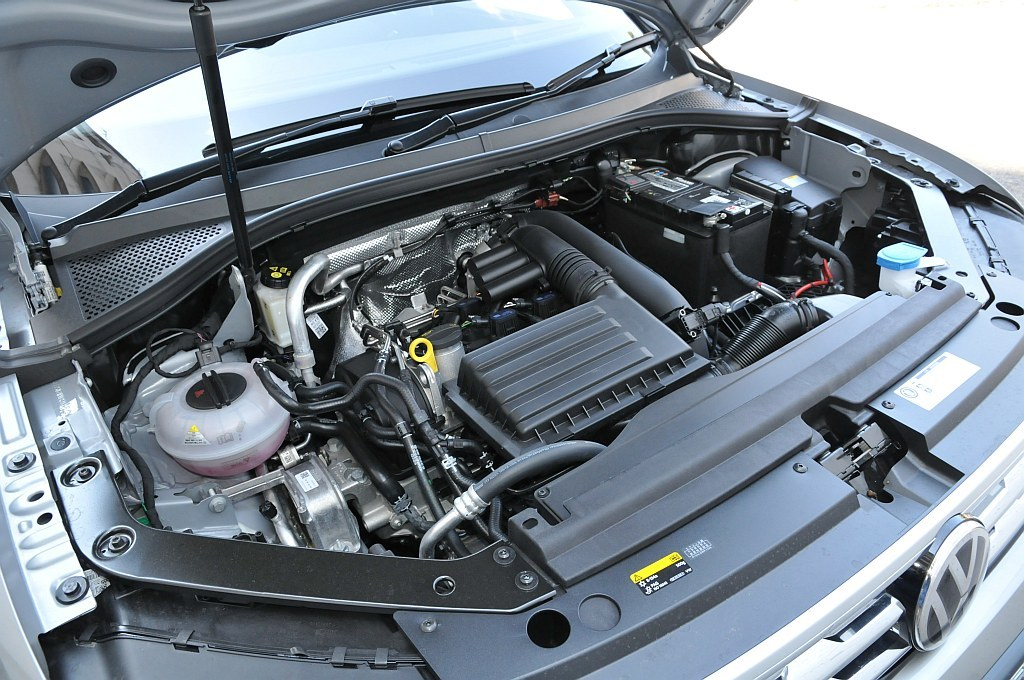 VW ティグアン、エンジンの画像