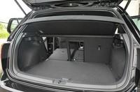 フォルクスワーゲン ゴルフ GTIの荷室容量の写真