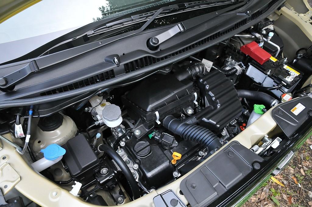 スズキ ワゴンR ハイブリッドFX、R06A自然吸気エンジンの画像